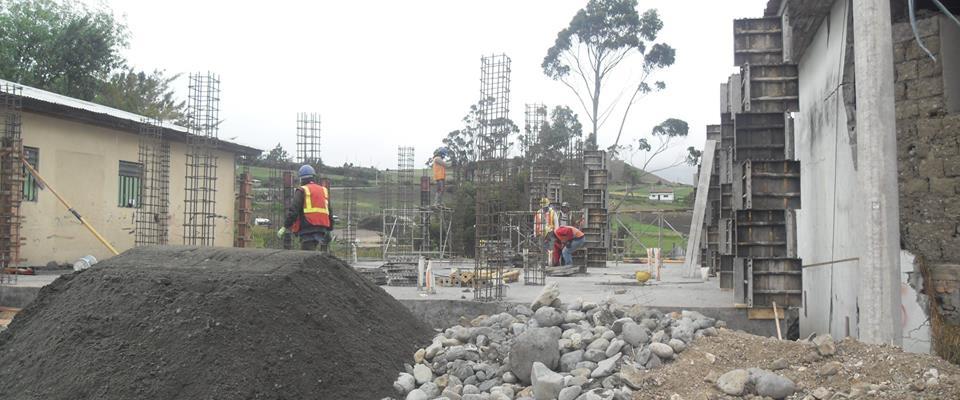 EL GAD PARROQUIAL CONTINUA CON LA CONSTRUCCIÓN DE SU CASA PARROQUIAL.