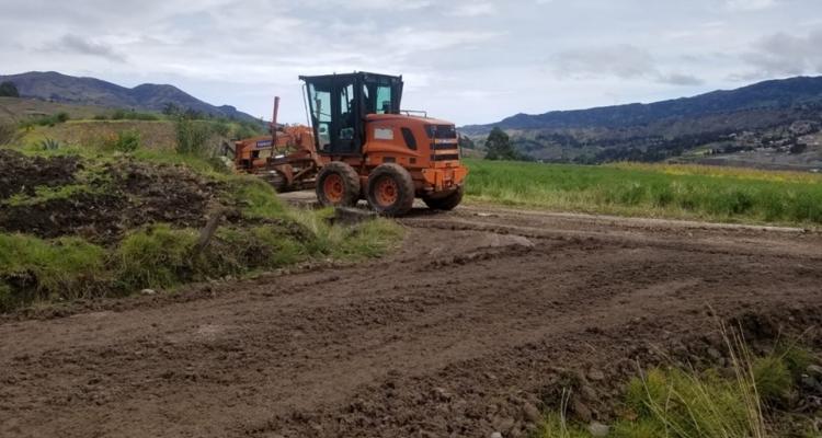 Continúan los trabajos de mejoramiento y mantenimiento vial